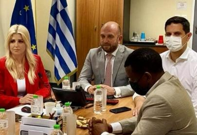 Το Υπουργείο Μετανάστευσης και Ασύλου και ειδικότερα η Γενική Γραμματεία Υποδοχής Αιτούντων Άσυλο συνεργάζεται με την καμπάνια «ΕΝΑ στα ΠΕΝΤΕ» του Συμβουλίου της Ευρώπης για την πρόληψη της παιδικής σεξουαλικής κακοποίησης, στο πλαίσιο διάδοσης των μηνυμάτων της, διοργανώνοντας μια σειρά διαδικτυακών ενημερωτικών εκδηλώσεων, με θέμα: «Πρόληψη της παιδικής σεξουαλικής κακοποίησης». Το πρόγραμμα, που περιλαμβάνει έξι ενημερωτικές εκδηλώσεις, υλοποιείται από την Υπηρεσία Υποδοχής & Ταυτοποίησης - Τμήμα Διαδικασιών και Εκπαίδευσης.